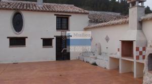 Amplio terreno con casa en Lorca