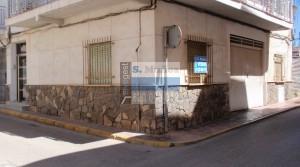 Céntrico y amplio local comercial en Puerto de Mazarrón