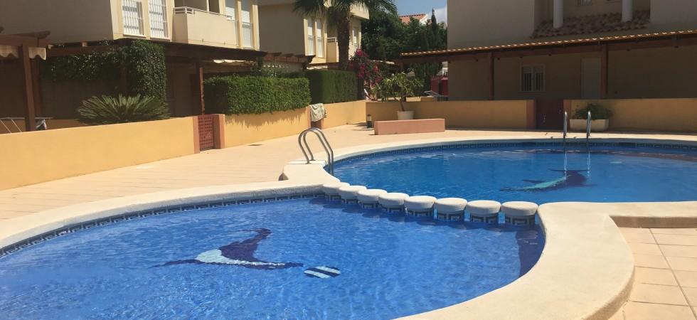 Duplex con piscina en Vía Axial
