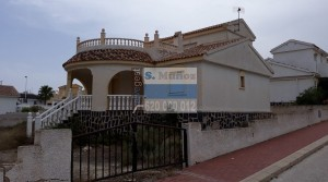 CHALET INDEPENDIENTE EN CAMPOSOL
