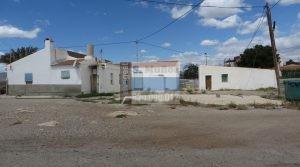 Estupenda casa tradicional en Cañada de Gallego